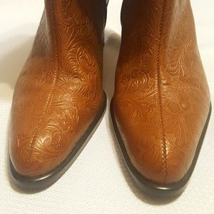 A. Marinelli Shoes - A. Marinelli Archer Embossed Leather Heeled Boots